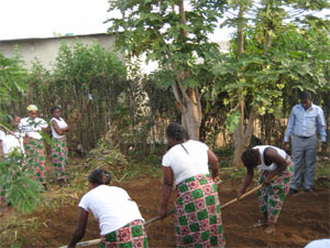 Agricultural training for women, Chingwere, Zambia